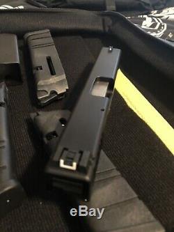 Advantage Arms. 22LR Conversion Kit Fits Glock 17 22 Gen 4 / 3 mags + Range Bag